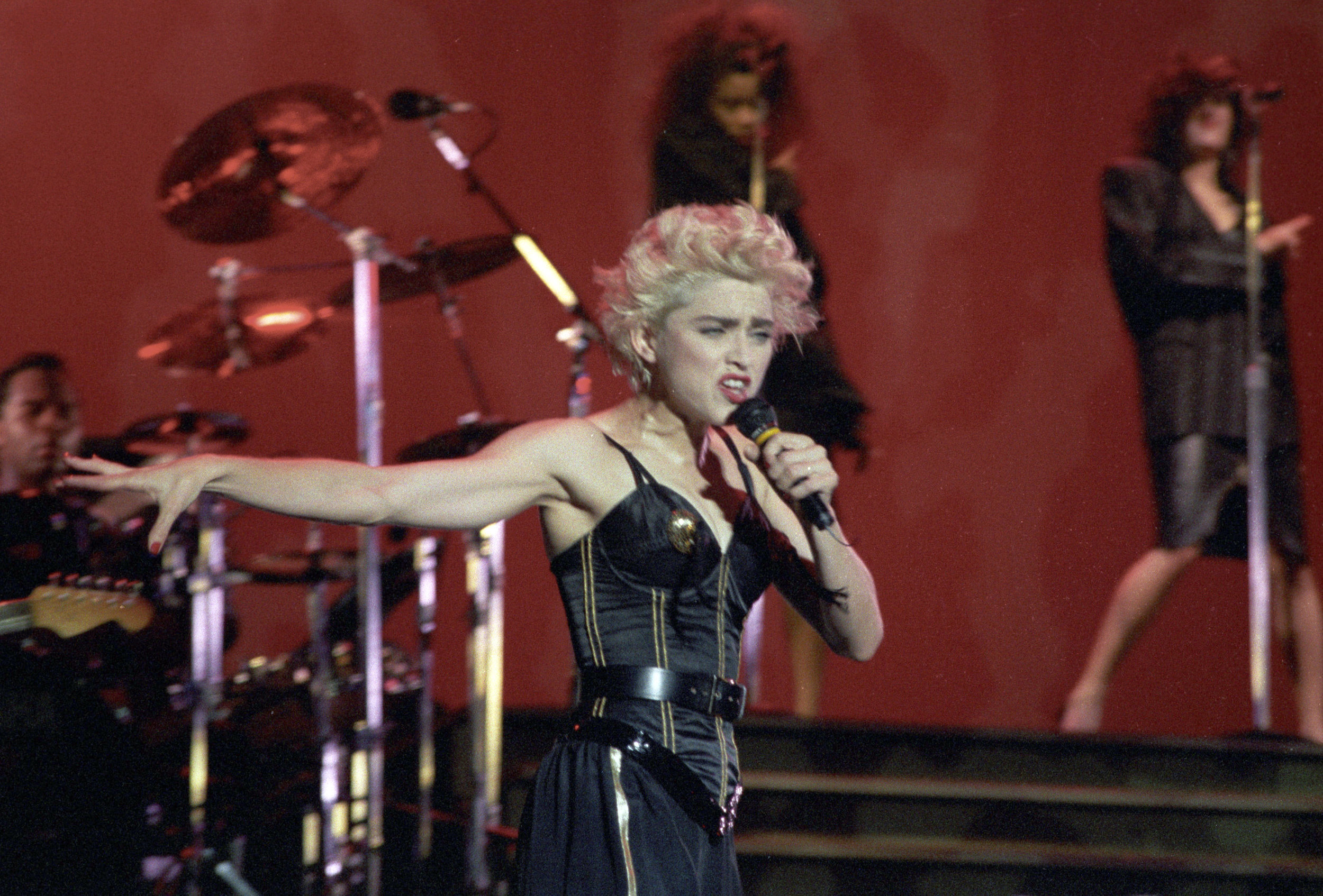 pop muziek popmuziek muzikanten artiest Engeland Londen Wembley Stadium Madonna 19 08 1987 augustus Whos That Girl World Tour zangeres Amerika Amerikaanse Queen of Pop
