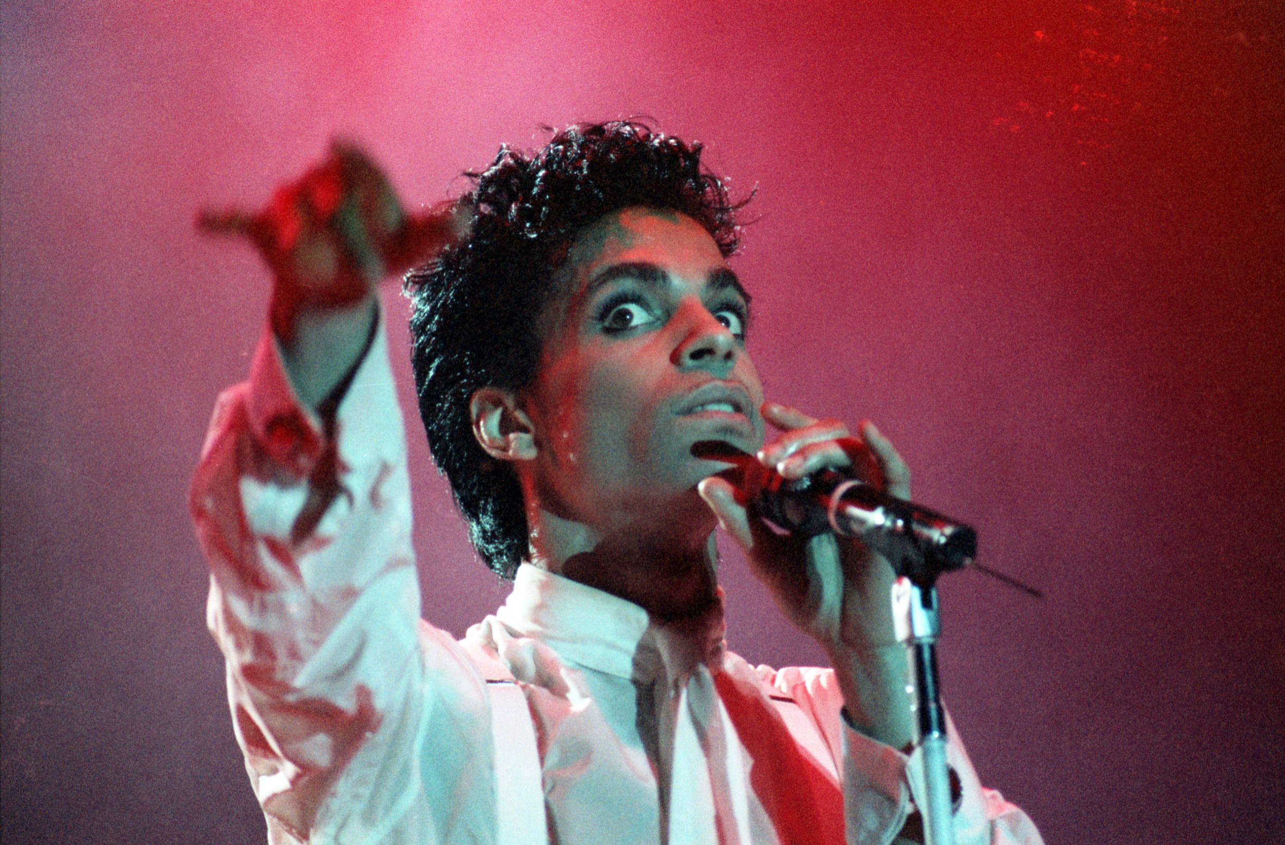 pop muziek popmuziek muzikanten artiest Prince Ahoy Rotterdam 17 8 1986 Parade Tour Under The Cherry Moon Tour funk rock