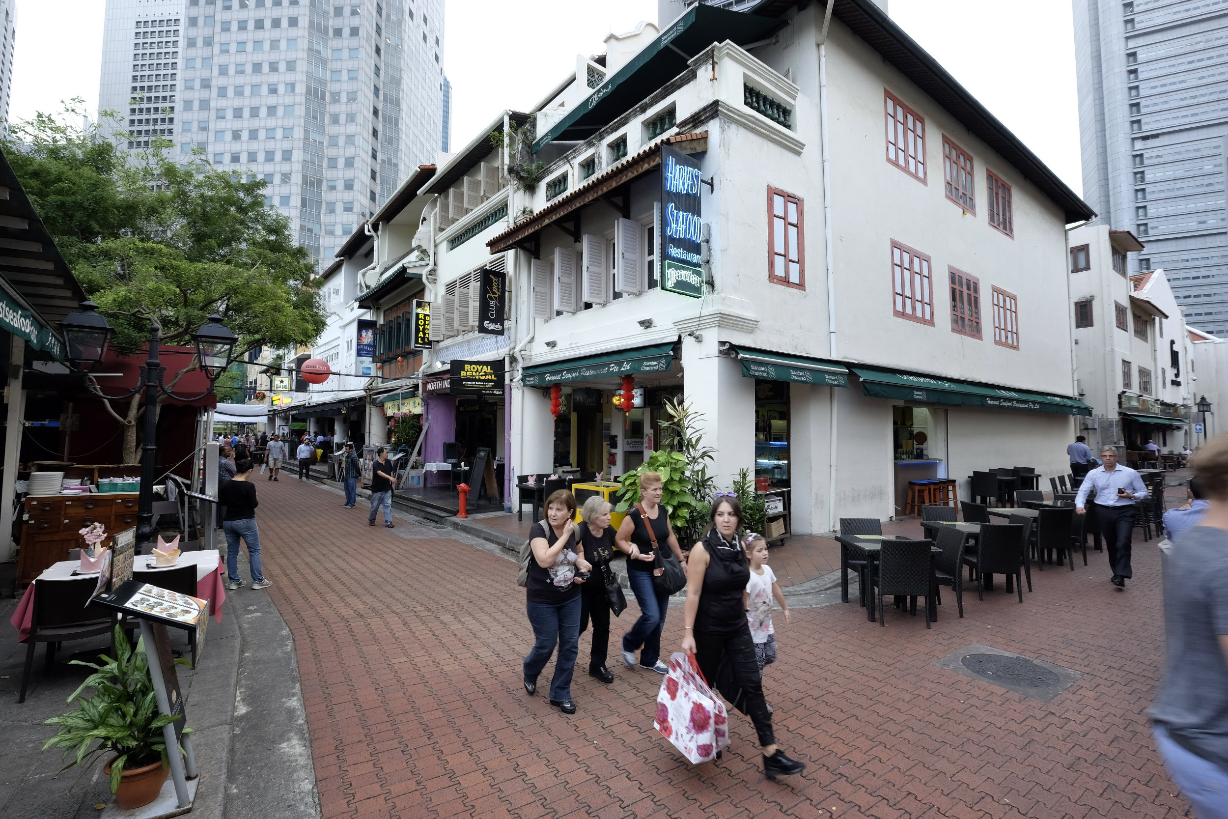 Singapore Langs de Singapore Rivier Boat Quay Restaurantjes Straatbeeld