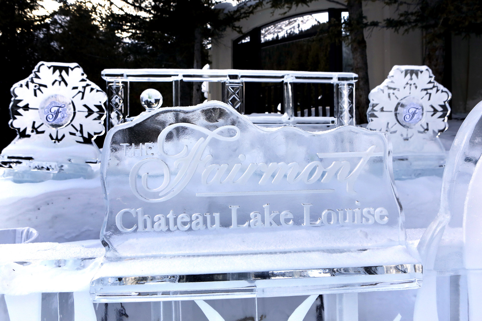 Wintersport Canada Lake Louise Alberta IJsculpturen bij Fairmont Hotel