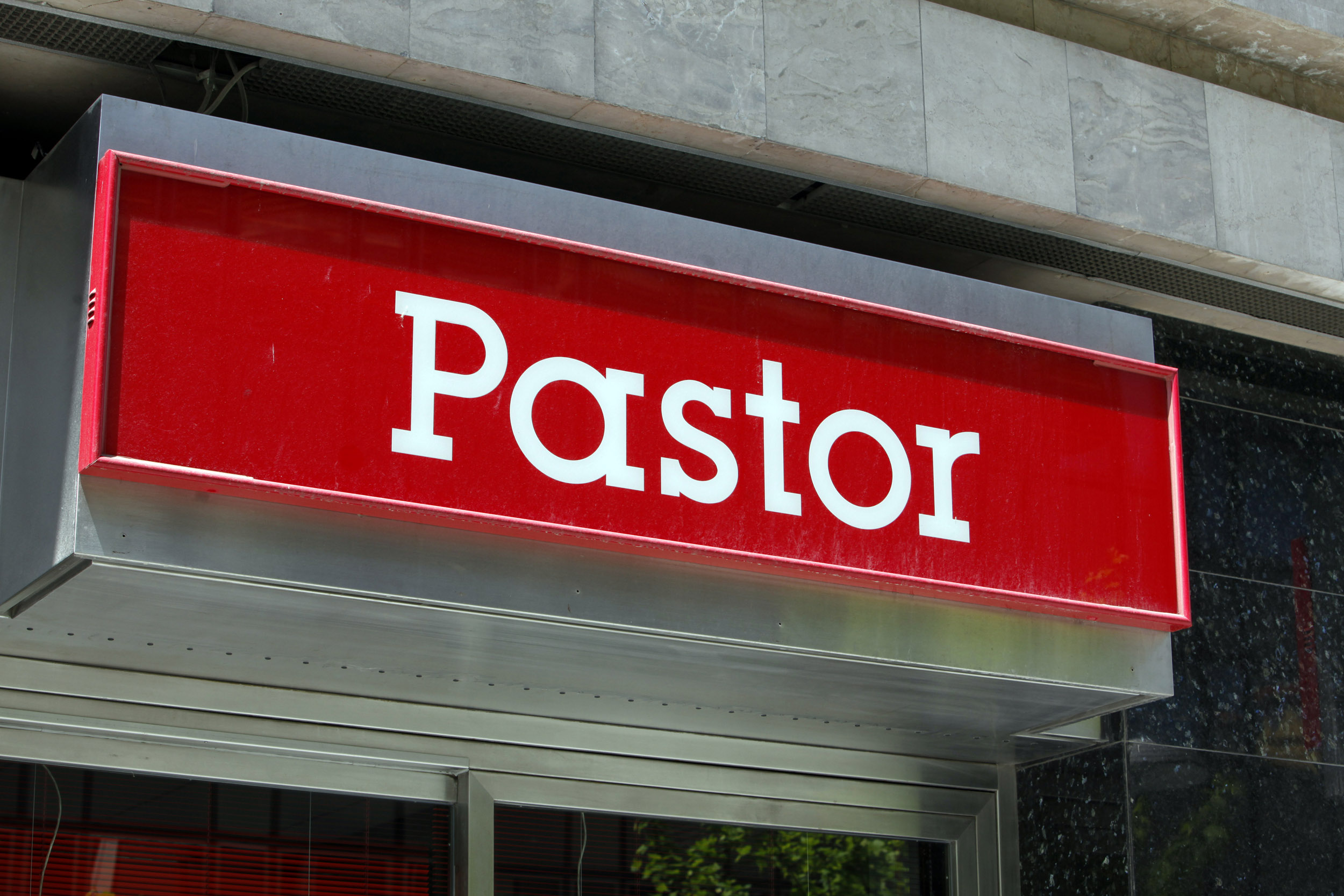 Spanje, Spain, Pamplona, Bank Pastor, logo